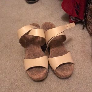 Ankle wrap cork wedge